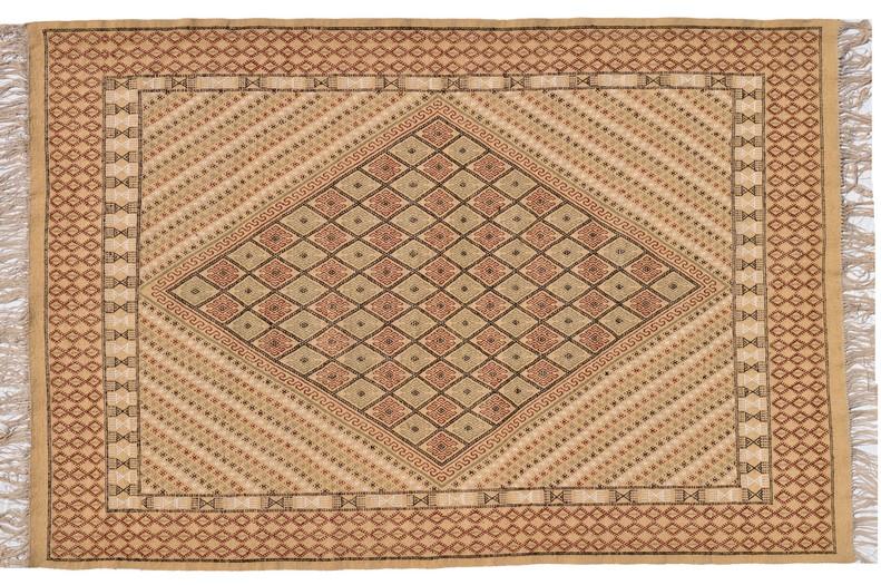 tapis vendus tapis kilims et mergoums vendus par sajada tapis soulef. Black Bedroom Furniture Sets. Home Design Ideas