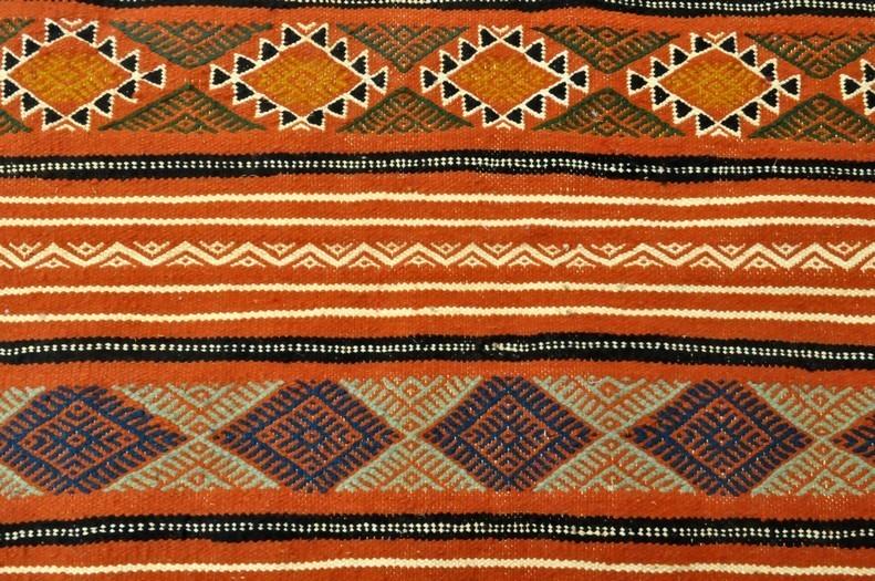 petits tapis tapis faits main de tunisie et du maroc kilims et mergoums tapis tapis beskra. Black Bedroom Furniture Sets. Home Design Ideas