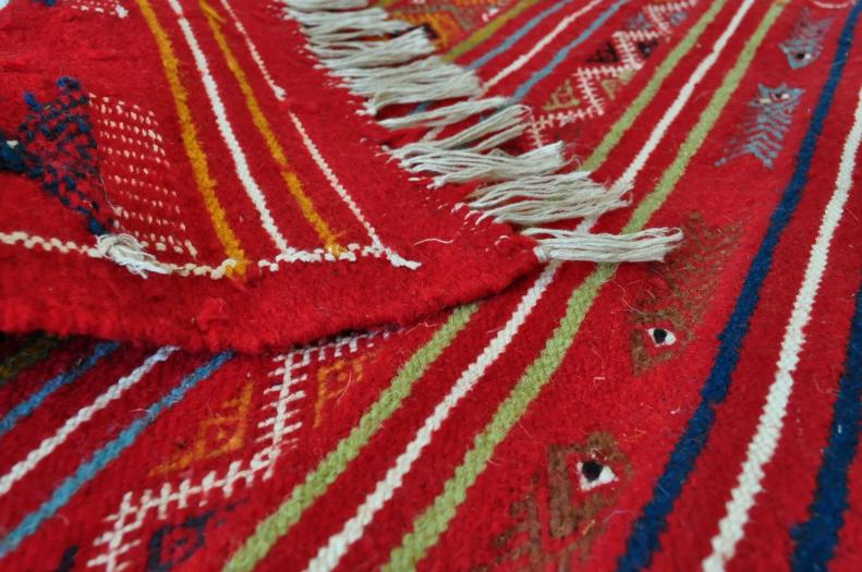 tapis vendus tapis kilims et mergoums vendus par sajada tapis ferdaws. Black Bedroom Furniture Sets. Home Design Ideas