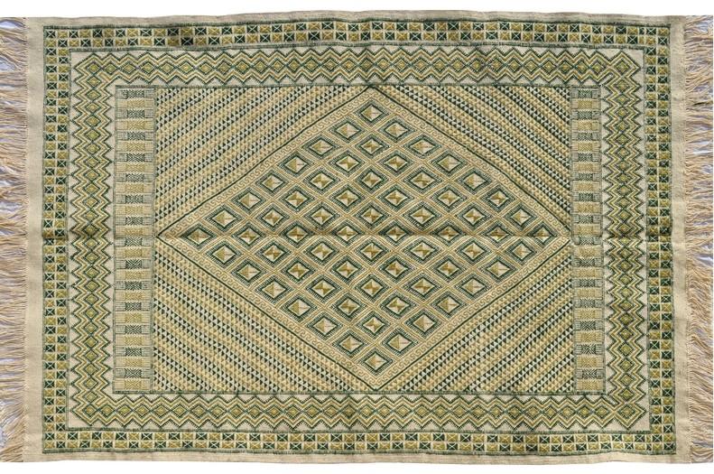 Grands tapis tapis kilims et mergoums de tunisie et - Lyon tapis vert ...