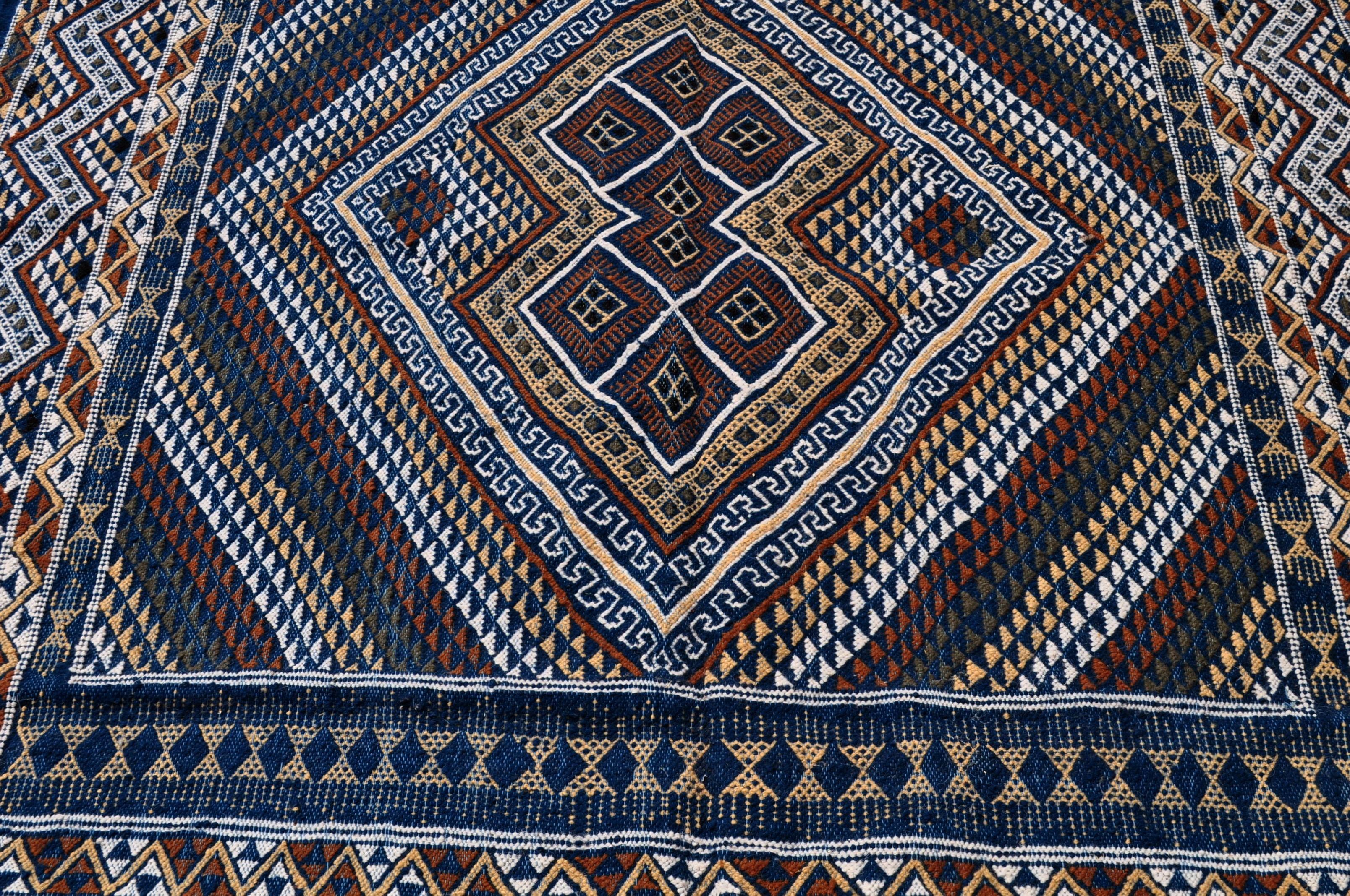 grands tapis tapis kilims et mergoums de tunisie et maroc 200 x 300 cm tapis nahrawen. Black Bedroom Furniture Sets. Home Design Ideas