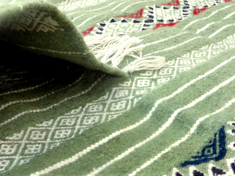 Tapis moyens tapis tunisiens et marocains en laine - Lyon tapis vert ...