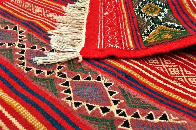 tapis de couloir et descente de lit de tunisie et du maroc tapis gasrine. Black Bedroom Furniture Sets. Home Design Ideas